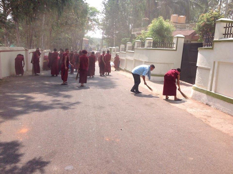 School surrounding cleaning
